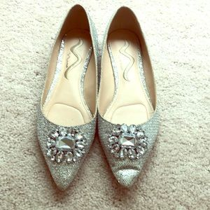 Silver pointed flats